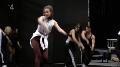 cap_Dance Dance Dance_20180908_1957_00_12_11_44