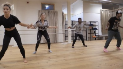 cap_Dance Dance Dance_20180915_1957_00_18_05_246