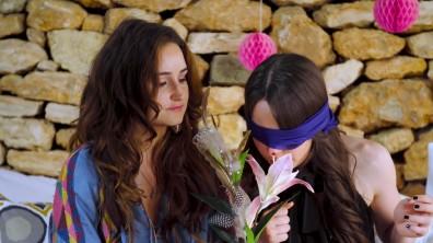 cap_ELVY'S WERELD - VOGUE GIRL GEUR CHALLENGE JILL & SARAH_00_03_26_106