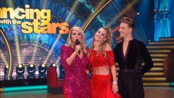 cap_Dancing With The Stars_20190907_1957_01_22_04_46