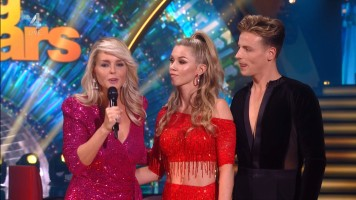 cap_Dancing With The Stars_20190907_1957_01_22_28_59