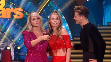 cap_Dancing With The Stars_20190907_1957_01_22_40_63