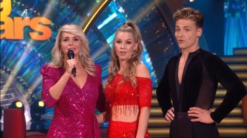 cap_Dancing With The Stars_20190907_1957_01_22_48_66