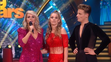 cap_Dancing With The Stars_20190907_1957_01_22_48_67