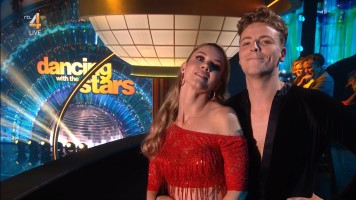 cap_Dancing With The Stars_20190907_1957_01_31_58_76