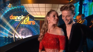 cap_Dancing With The Stars_20190907_1957_01_31_58_79