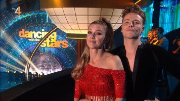cap_Dancing With The Stars_20190907_1957_01_32_01_81