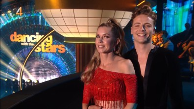 cap_Dancing With The Stars_20190907_1957_01_32_05_71