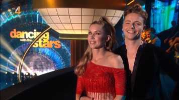 cap_Dancing With The Stars_20190907_1957_01_32_05_83