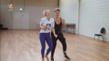 cap_Dancing With The Stars_20190907_1957_01_34_16_188