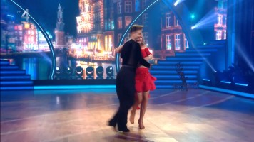cap_Dancing With The Stars_20190907_1957_01_34_57_203