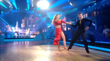 cap_Dancing With The Stars_20190907_1957_01_35_18_218