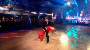 cap_Dancing With The Stars_20190907_1957_01_35_48_251