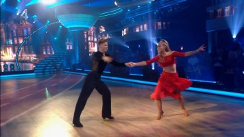 cap_Dancing With The Stars_20190907_1957_01_36_01_256