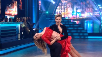 cap_Dancing With The Stars_20190907_1957_01_36_12_259