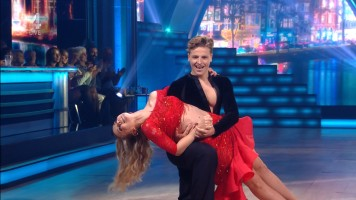 cap_Dancing With The Stars_20190907_1957_01_36_13_260
