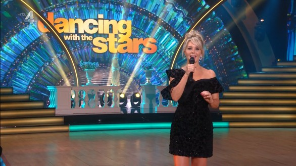 cap_Dancing With The Stars_20190914_1957_01_33_32_234